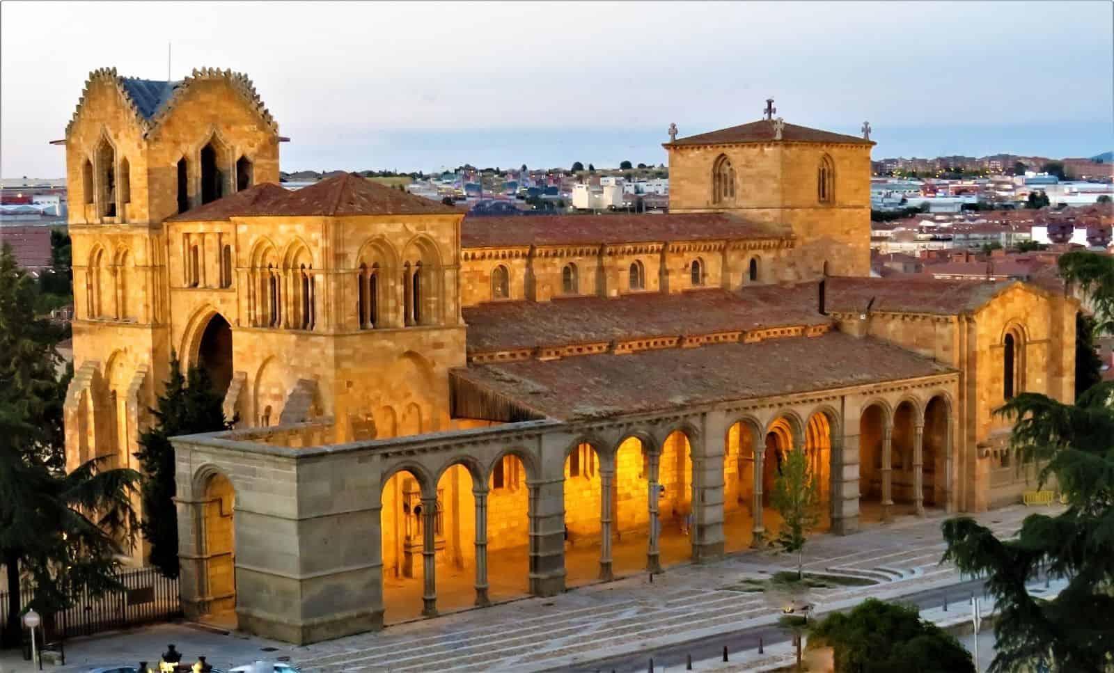 Basílica de San Vicente . Turismo en Ávila