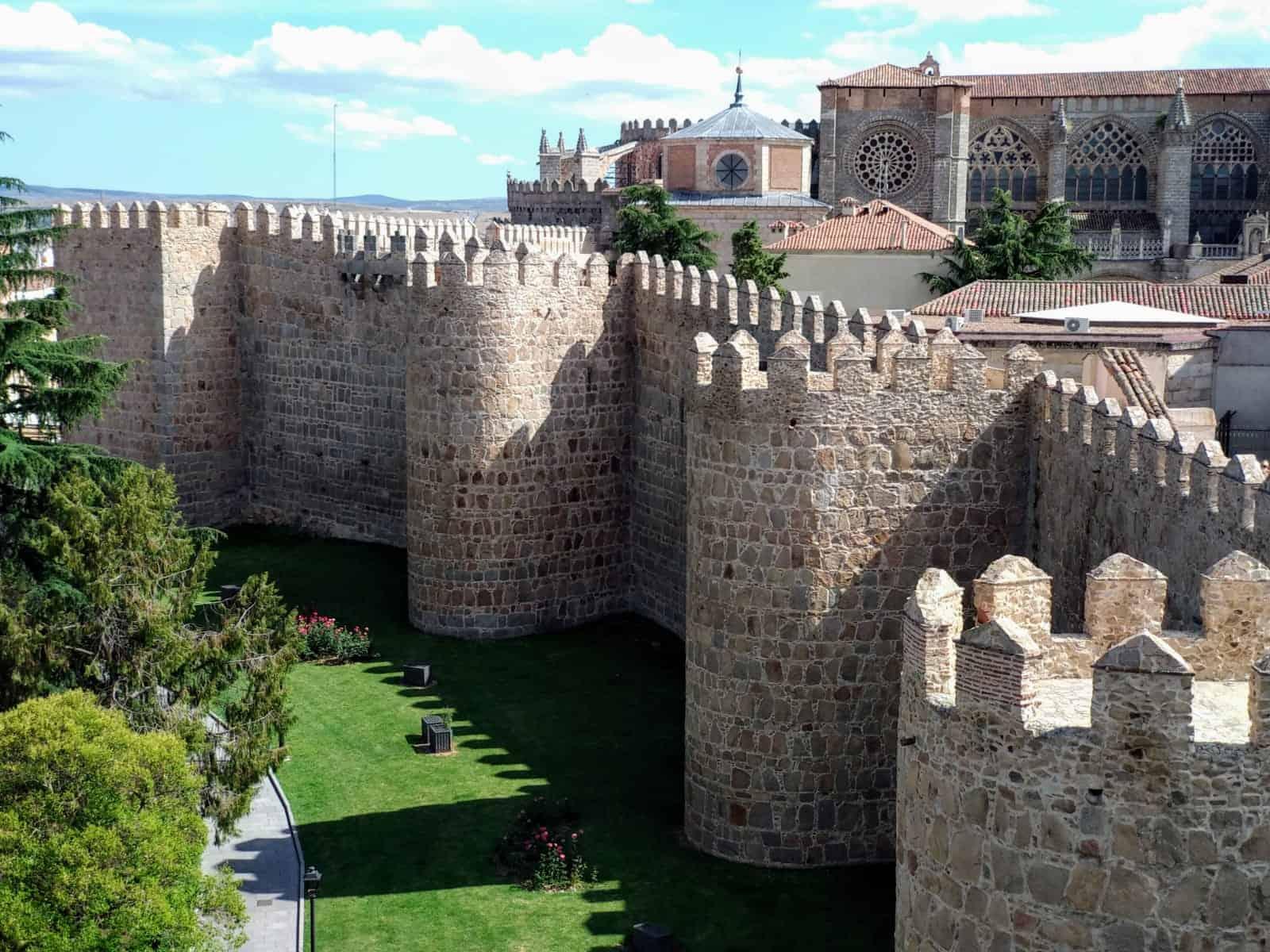 Visitar Ávila. La Muralla