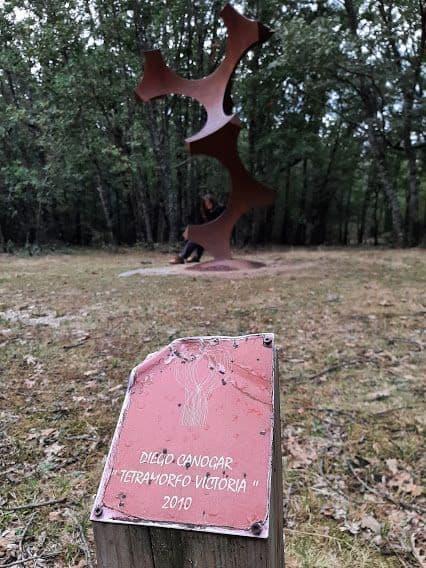 Ruta de las esculturas en Las Navas del Marqués