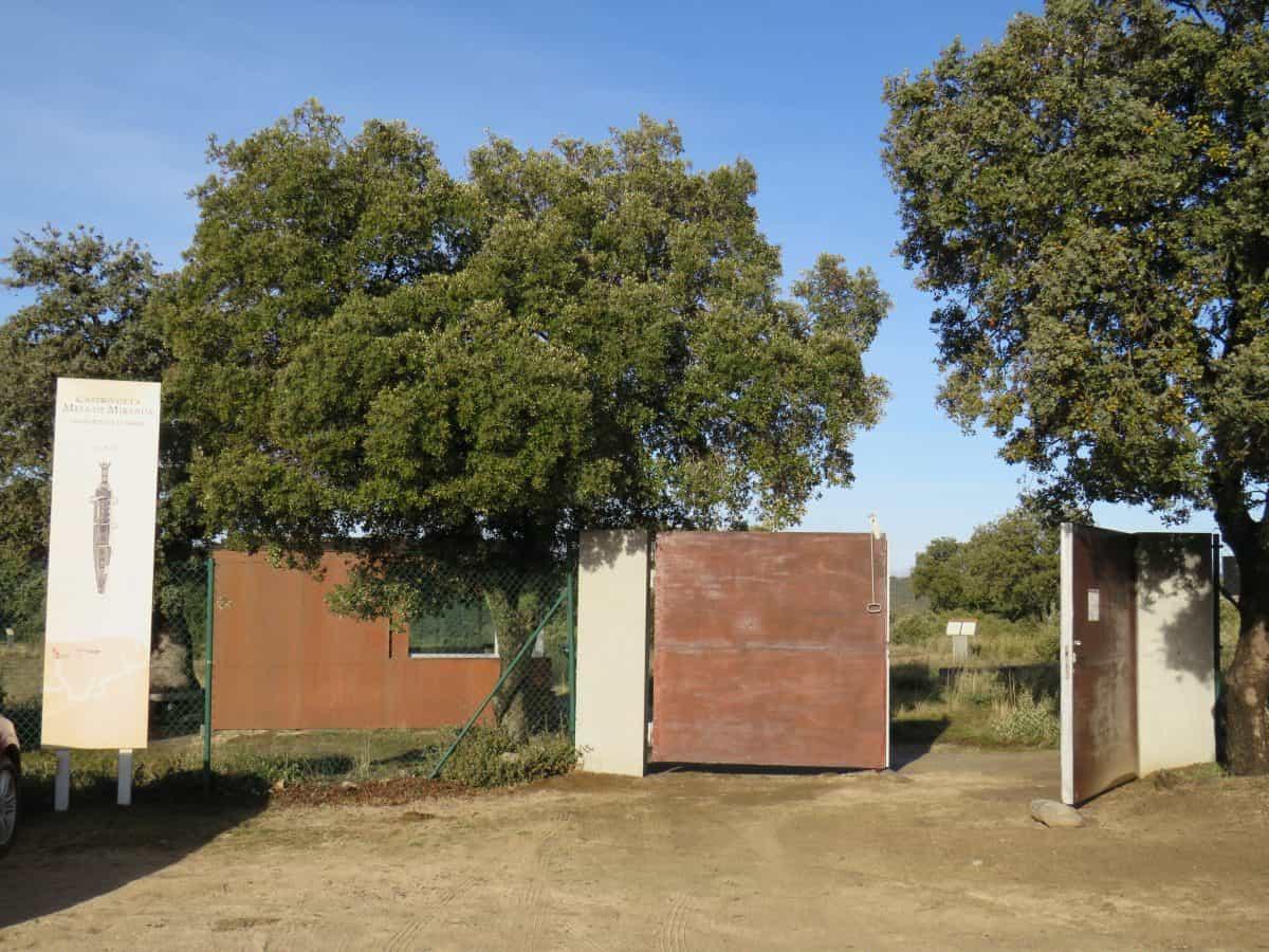 acceso Castro de la Mesa de Miranda