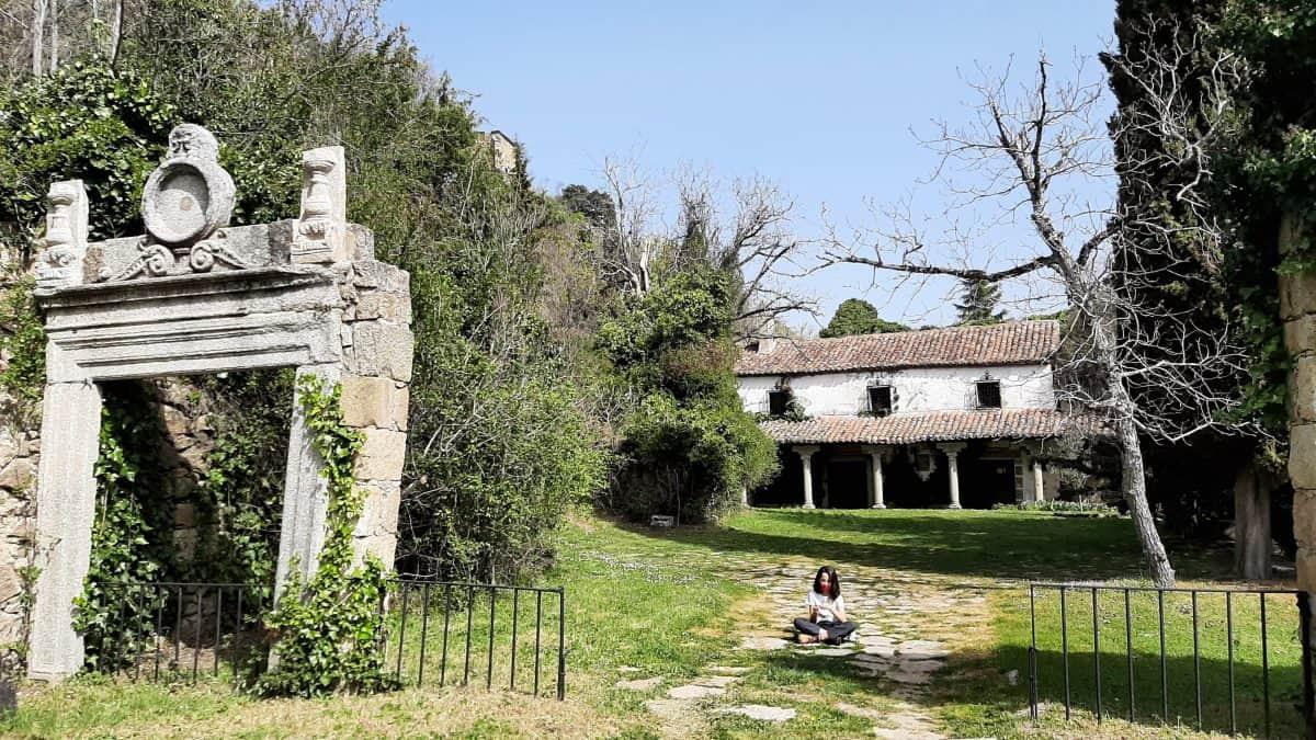 Llegada al monasterio de Guisando